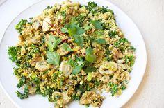 Mushroom, Kale and Cauliflower Rice - 10 minutes! Healthy Dishes, Healthy Cooking, Healthy Eating, Cooking Recipes, Healthy Recipes, Vegetarian Recipes, Cauliflower Mushroom, Cauliflower Rice, Mushroom Rice