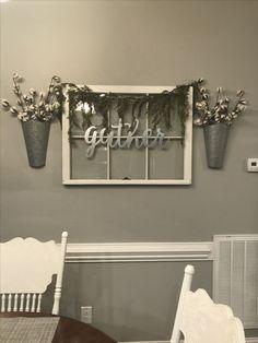 Window Pane Farmhouse decor! #DIYHomeDecorQuotes