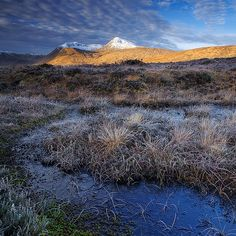 The Black Mount, Rannoch Moor. The Black Mount is a range of mountains beside the 50 square miles of boggy marsh known as Rannoch Moor. [photo: Martin Sojka, via Flickr]
