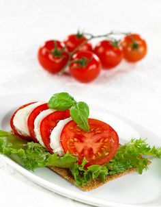 Grete Roede Second Breakfast, Caprese Salad, Mozzarella, Diet, Healthy, Recipes, Weight Loss, Drinks, Drinking