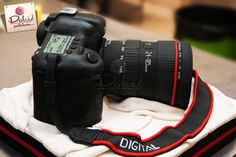 Canon Camera Cake by Dolci Pasteleria | Cake Decorating Ideas