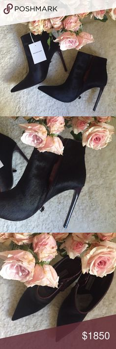 Sipping Champagne Booty time ... Incredible Balenciaga calfhide black with wine burgundy leather heels and trimmings ... Sexxxxy, chic and yes walkable ... From the runway collection for Paris only ❤️ tried for a photo shoot for an hour, genuine leather insole and sole. Side burgundy hidden zipper with a dainty pull ... Original box, dustbag, tag, littérally brand new!  No trades, no low balling si vous plaît ❤️. Veau peluche/Hendrix rouge aubergine/rau.  Size 38 = 7.5 Balenciaga Shoes…
