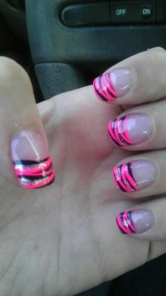 @Paige Hereford Stair  Zebra nails