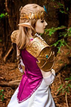 Character: Princess Zelda / From: Nintendo's 'Legend of Zelda: Twilight Princess' / Cosplayer: Adelina Milano (aka ForeverAdel, aka Adel Cosplay) / Photo: Abbie Warnock Photography (Abbie Warnock-Matthews) (2014)