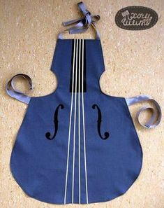 "Kochschürze ""KID"" in Form eines Musikinstrumentes Cooking apron ""KID"" in the form of a musical instrument Sewing Hacks, Sewing Projects, Cool Aprons, Childrens Aprons, Apron Designs, Sewing Aprons, Kids Apron, Sewing Patterns For Kids, Aprons Vintage"
