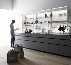 Valcucine's 'New Logica' offers the most ergonomically designed kitchen system, specifically intended to improve the interaction of people and kitchens Kitchen Taps, Old Kitchen, Kitchen Pantry, Kitchen Ideas, Kitchen Interior, Kitchen Design, Kitchen Weighing Scale, Boffi, Kitchen Family Rooms