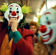 Joker Pics, Joker Art, Joker Joker, Joaquin Phoenix, Joker Phoenix, Dc Comics, Joker Clown, Send In The Clowns, Joker Wallpapers