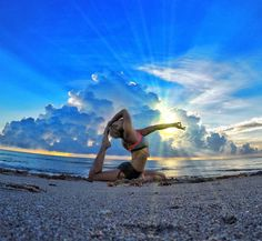 10+Beautiful+Yoga+Pictures+That+Will+Inspire+You+-+Avocadu
