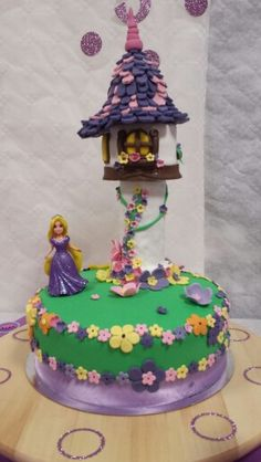 Cake Rapunzel - Tagglet - Enredados - Tarta Rapunzel - Fondant www.mybakeryblog.com