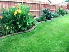 Front Yard Garden Design Best pictures, images and photos about front yard landscaping ideas with perennials Landscaping Along Fence, Small Backyard Landscaping, Tropical Landscaping, Backyard Fences, Landscaping Ideas, Backyard Ideas, Backyard Plants, Garden Ideas, Fence Ideas