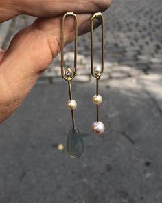 YAB STUDIO (@yabstudioltd) • Instagram-billeder og -videoer Simple Jewelry, Precious Metals, 18k Gold, Gold Necklace, Studio, Instagram, Design, Gold Pendant Necklace