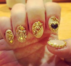 Manicure Moment: Golden Girls