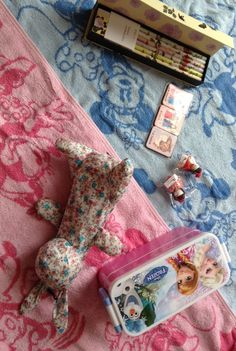 Towels from 엄마, Lunch box from 아빠 (Por que...), Pencil case from 진주, Bunny umbrella from 오사카