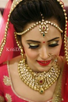 Properly done.... Bridal Makeup Looks, Indian Bridal Makeup, Indian Bridal Wear, Indian Wedding Jewelry, Bridal Beauty, Indian Jewelry, Bridal Jewelry, Perfect Bride, Beautiful Bride