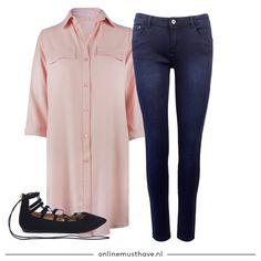 Roze blouse met blote benen of roze blouse met de perfect skinny jeans? Deze roze lange blouse is gewoon eindeloos te combineren! 💕