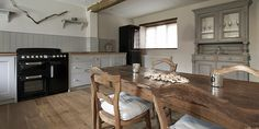 Cartshed Cottages, Sharrington, near Holt, North Norfolk Hotel Reviews | i-escape.com