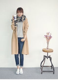 Cute for chilly day Japan Fashion, Look Fashion, Fashion Pants, Daily Fashion, Korean Fashion, Girl Fashion, Fashion Outfits, Womens Fashion, Fashion Trends