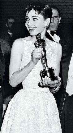 Photos: From Grace Kelly to Jennifer Lawrence, the Best in Awards Season Beauty   Vanity Fair