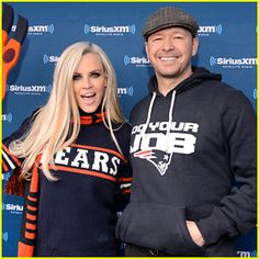 Jenny McCarthy & Donnie Wahlberg Say Their Football Rivalries Test Their Love Jenny Mccarthy Hair, Donnie And Jenny, Jenny Jenny, Football Rivalries, Couple Presents, Tom Selleck, Donnie Wahlberg, Love My Husband