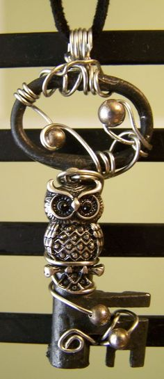 https://www.facebook.com/pages/Jewelry-Junkie-Donnas-Handmade-Jewelry/296885666994097....love this!