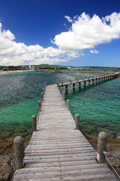 Sun Marina Beach, Okinawa, Japan. https://ExploreTraveler.com