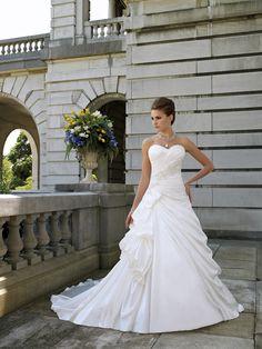 Loveeee this dress