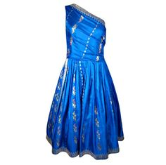 Vintage and Designer Evening Dresses and Gowns - For Sale at Western Dresses, Indian Dresses, Indian Outfits, Western Outfits, Saree Gown, Sari Dress, 50s Outfits, Modern Outfits, Modern Sari