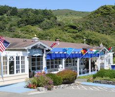 The Jenner Inn in Jenner (Bodega Bay) California is one of my favorite places, it should be yours too..