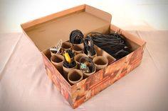 Caixa organizadora de cabos com rolinhos de papel higiênico | Artesanato & Humor de Mulher