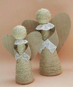 Divine And Beautiful Angel Christmas Decoration Ideas - Christmas Celebration - All about Christmas Christmas Makes, Christmas Angels, All Things Christmas, Christmas Time, Christmas Ornaments, Christmas Poinsettia, Crochet Christmas, Rustic Christmas, Burlap Crafts