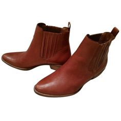 Pre-owned Madewell Chelsea Brown Boots ($118) ❤ liked on Polyvore featuring women's fashion, shoes, boots, brown, leather ankle boots, leather boots, short brown boots, short boots and bootie boots