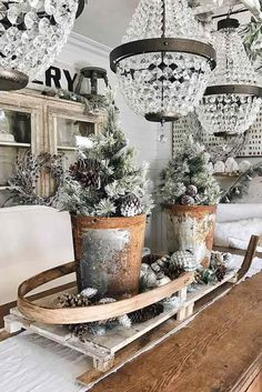Simple Holiday Centerpiece Ideas ★ See more: http://glaminati.com/simple-holiday-centerpiece-ideas/