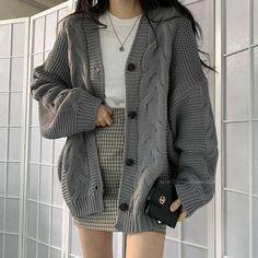 15-year-old Azail is a twin. She and her twin have lived with her mom… #romance Romance #amreading #books #wattpad Korean Girl Fashion, Ulzzang Fashion, Kpop Fashion Outfits, Cute Fashion, Korean Fashion Winter, Classic Fashion, Kawaii Fashion, Minimal Fashion, Woman Fashion