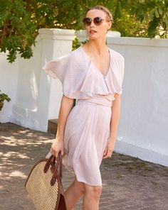 View details for the pattern Flounce Dress on BurdaStyle. Dress Sewing Patterns, Clothing Patterns, Fashion Leaders, Look Fashion, Dress Outfits, Ideias Fashion, Wrap Dress, Summer Dresses, Style Magazin