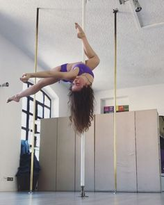 13 Pole Fitness Videos That Prove It's About More Than Just Being Sexy Aerial Dance, Aerial Hoop, Aerial Silks, Ballerina Dancing, Fitness Photos, Dance Lessons, Dance Poses, Learn To Dance, Pole Fitness