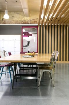 Decor Your Office With Innovative Designing Ideas