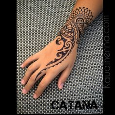 Polynesian inspired Jagua body art by Catana on Kauai.