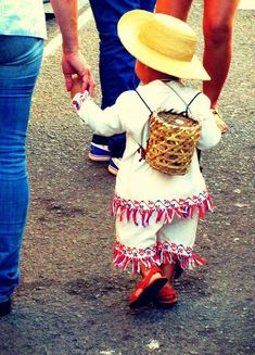 Proud to be a Panamenian. Carnival Outfits, Carnival Costumes, Panama Canal, Panama City Panama, Modest Outfits, Dance Dresses, Beautiful People, Feminine, Country
