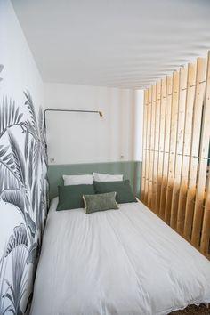 Ikea Studio Apartment, Studio Apartment Decorating, 1 Bedroom Apartment, Bedroom Loft, Deco Studio, Tiny Studio, Small Apartments, Small Spaces, Little Houses