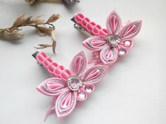 Insieme dei due capelli clip/Kanzashi di AirinFlowers su EtsyBrown butterfly hair clip/Kanzashi hair clip/ Butterfly hair /Kanzashi fabric flower/Best friend Birthday the diameter of the butterfly from the lower to the upper wing wing inchesPinkish gift i