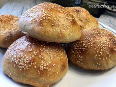 Kváskové žemle na hamburger - recept Hamburger, Bread, Food, Basket, Brot, Essen, Baking, Burgers, Meals
