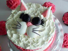Kitty cat cake #mimissweetcakesnbakes #kittycake #girlbirthday #meow