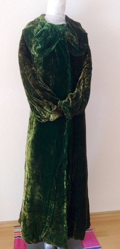 Antique green velvet opera coat from 1900s by JijiVintage on Etsy