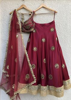 Buy beautiful Designer fully custom made bridal lehenga choli and party wear lehenga choli on Beautiful Latest Designs available in all comfortable price range.Buy Designer Collection Online : Call/ WhatsApp us on : Red Lehenga, Party Wear Lehenga, Indian Lehenga, Bridal Lehenga Choli, Anarkali, Raw Silk Lehenga, Floral Lehenga, Lehenga Style, Indian Wedding Outfits