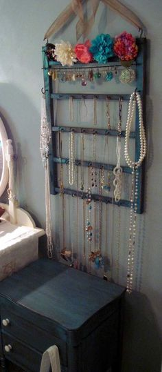 An old baby crib's side rail turned jewelry hanger. - Top 30 Fabulous Ideas To Repurpose Old Cribs Old Baby Cribs, Old Cribs, Baby Beds, Jewellery Storage, Jewellery Display, Jewelry Organization, Jewellery Holder, Necklace Holder, Earring Holders