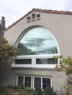 Custom Circle top Combination window was put in to a beautiful brick home in Magnolia.