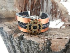Leather bracelet Gear and metal black leather by RozaBracelets
