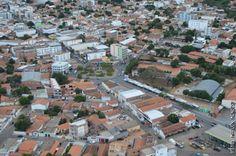 #News  Dois assaltantes são baleados por policial à paisana em Janaúba, no Norte de MG