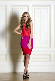 Hadise Açıkgöz Pop Singers, Turkish Actors, Actors & Actresses, That Look, Bodycon Dress, Feminine, Celebrities, Avon, San Francisco