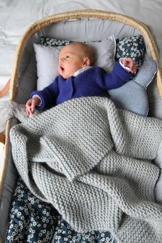sigh.... divine Easy Knit Baby Blanket, Knitted Baby Blankets, Baby Boy Knitting, Baby Knitting Patterns, Free Knitting, Crochet For Kids, Crochet Baby, Baby Planning, Baby Afghans